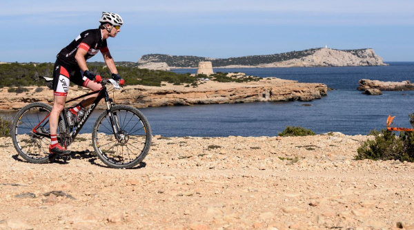 16 años recorriendo Ibiza en Mountain Bike