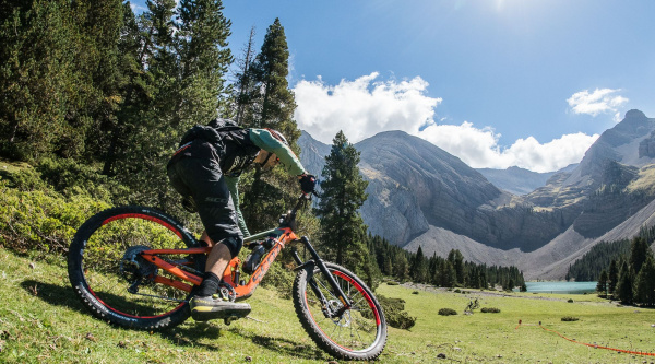 Trans-Nomad powered by Fox, día 1: Jerome Clementz marca la pauta