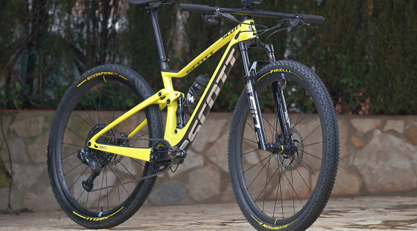 Bicis de los pro: Scott Spark RC 900 World Cup de Hans Becking