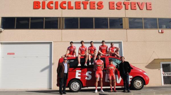 Presentación equipo Bicicletas Esteve