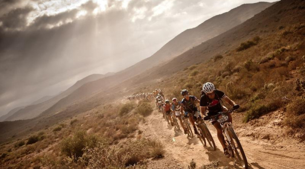 Absa Cape Epic 2012: El equipo 36ONE Songo Specialized se mantiene líder