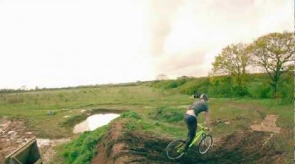 Vídeo cómo hacer un 360 tailwhip con Sam Pilgrim