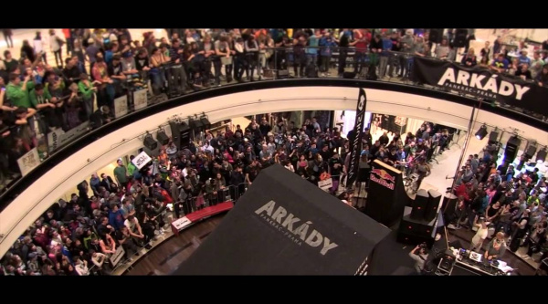 Vídeo resumen del Arkády DownMall