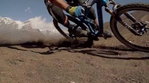 Gone Tomorrow, el viaje biker de Rob-J Heran en Nepal