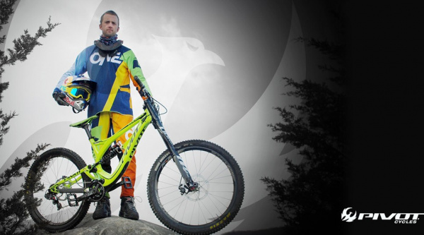 Noticia ciclismo MTB/BTT: Aaron Chase con Pivot Cycles