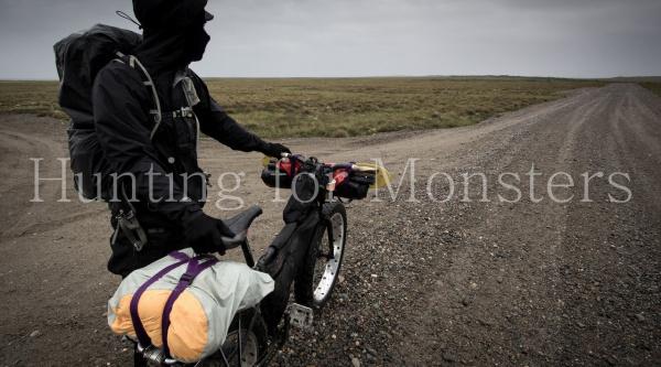"""""""A la caza de monstruos"""" por Alaska en fatbike"""