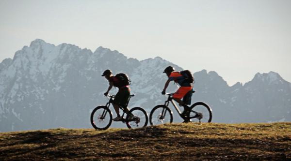 Buen riding para el fin de semana con Holger Meyer y su pareja