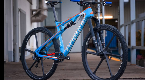 Noticia ciclismo MTB/BTT: Las espectaculares Haibike Greed y Sleek del equipo Ötztal Pro Team