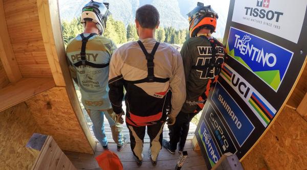 Viendo el circuito de Val di Sole con Caluori, Peat y Warner