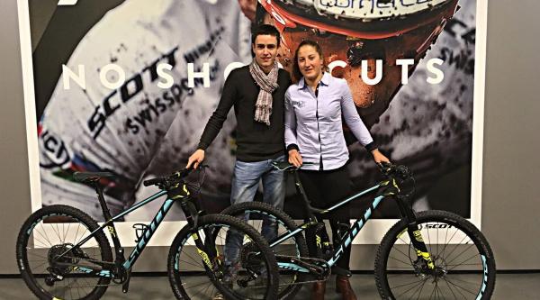 Julie Bresset con Scott