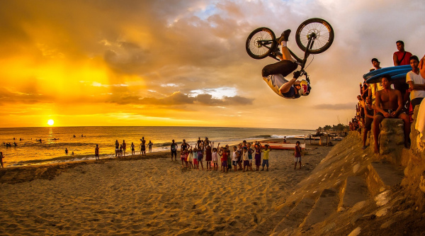 Noticia ciclismo MTB/BTT: Drop and Roll en Filipinas, con MacAskill, Wibmer, Clarkson y Shaw
