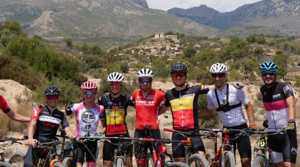 Los bikers que probaron algunas de las novedades de la Costa Blanca Bike Race 2019