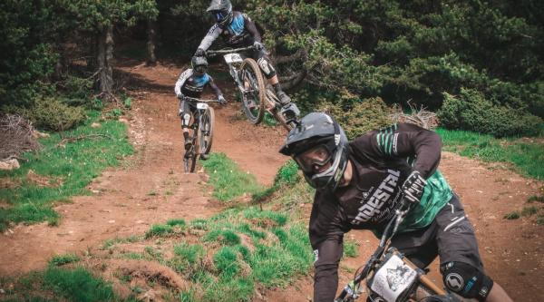 En acción en La Molina Bike Park