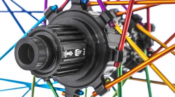 Núcleo Micro Spline en rueda Industry Nine