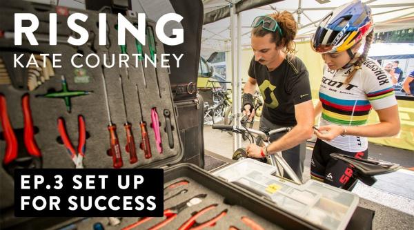 [Vídeo] Así prepara el material para la Copa del Mundo la campeona del Mundo Kate Courtney