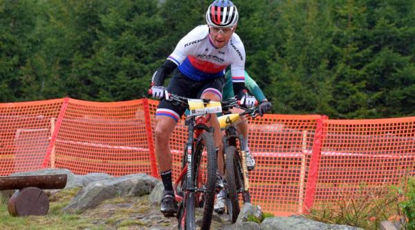 Ondrej Cink en la primera carreras post-confinamiento en República Checa