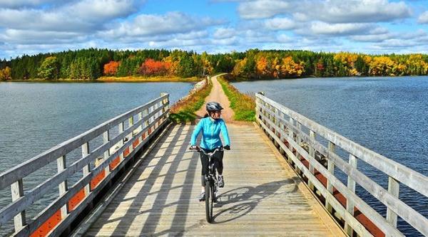 Red de senderos ciclistas en Canadá