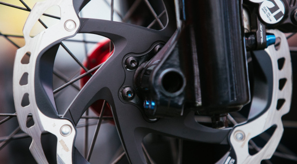 Discos de freno Shimano con tecnología Freeza