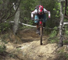 Vídeo Nicolas Lau salvando caída Enduro World Series