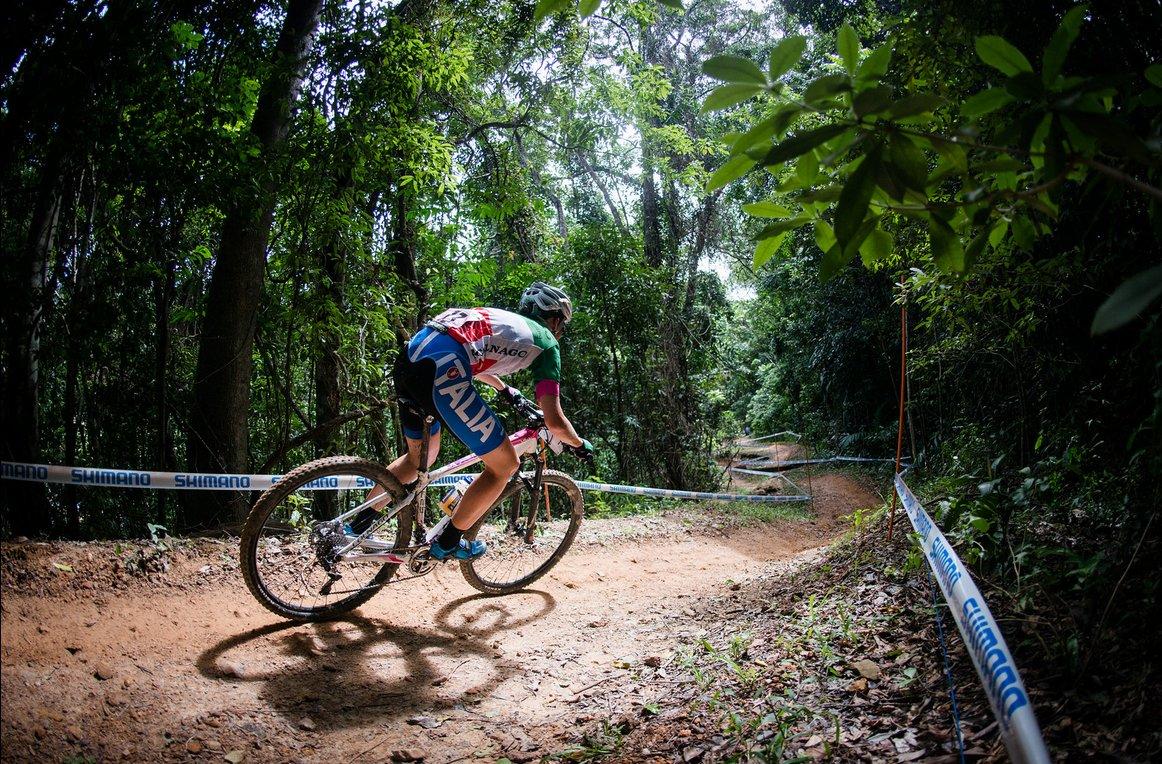 Copa del Mundo XCO en Cairns en imágenes: Absalon y Lechner imparables