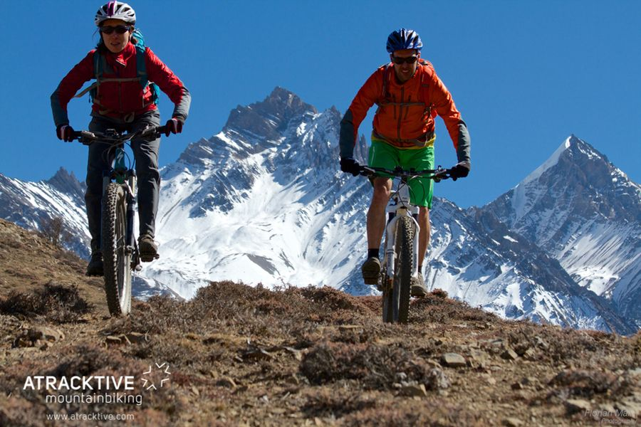 Descubriendo Nepal en mountain bike