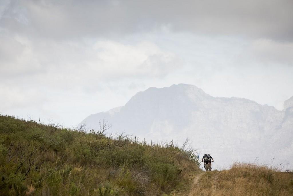 El día más duro de la Absa Cape Epic, como mínimo en cuanto a números. Foto Sam Clark/Cape Epic/SPORTZPICS