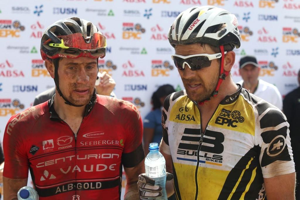 Son los dos equipos protagonistas de esta edición de la carrera. El Centurion Vaude by Meerendal 2 y el Team Bulls 1. Foto Shaun Roy/Cape Epic/SPORTZPICS