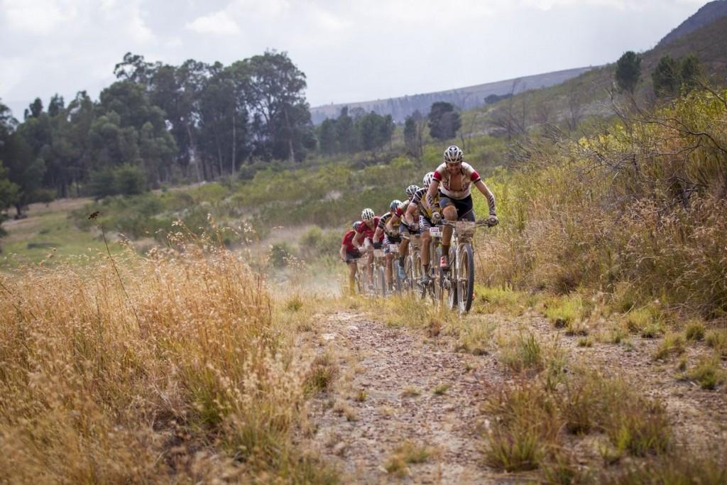 Ferreira e Ilias lo han vuelto a probar. Llegaban con aspiración a ganar la general, pero ahora el foco está en conseguir una etapa. Foto Nick Muzik/Cape Epic/SPORTZPICS
