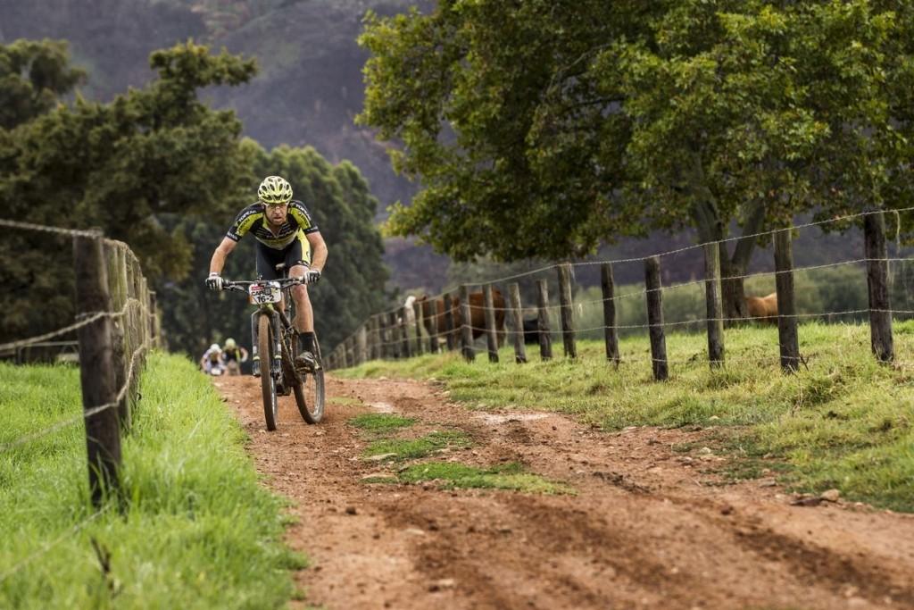 Erik Kleinhans camino de su mejor resultado en una etapa de este año. Foto Nick Muzik/Cape Epic/SPORTZPICS