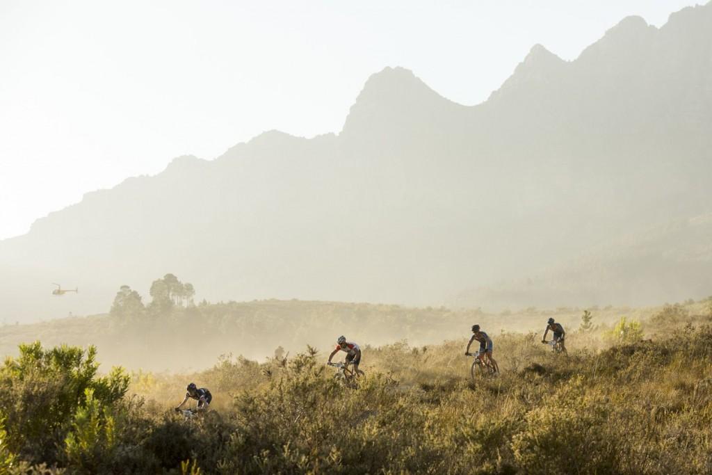 La jornada, de poco más de 3 horas para muchos, ha servido para recargar las pilas. Foto Sam Clark/Cape Epic/SPORTZPICS