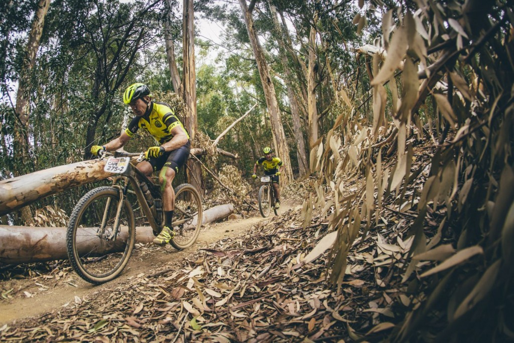 Uno de los tramos de sendero del día. Foto Ewald Sadie/Cape Epic/SPORTZPICS