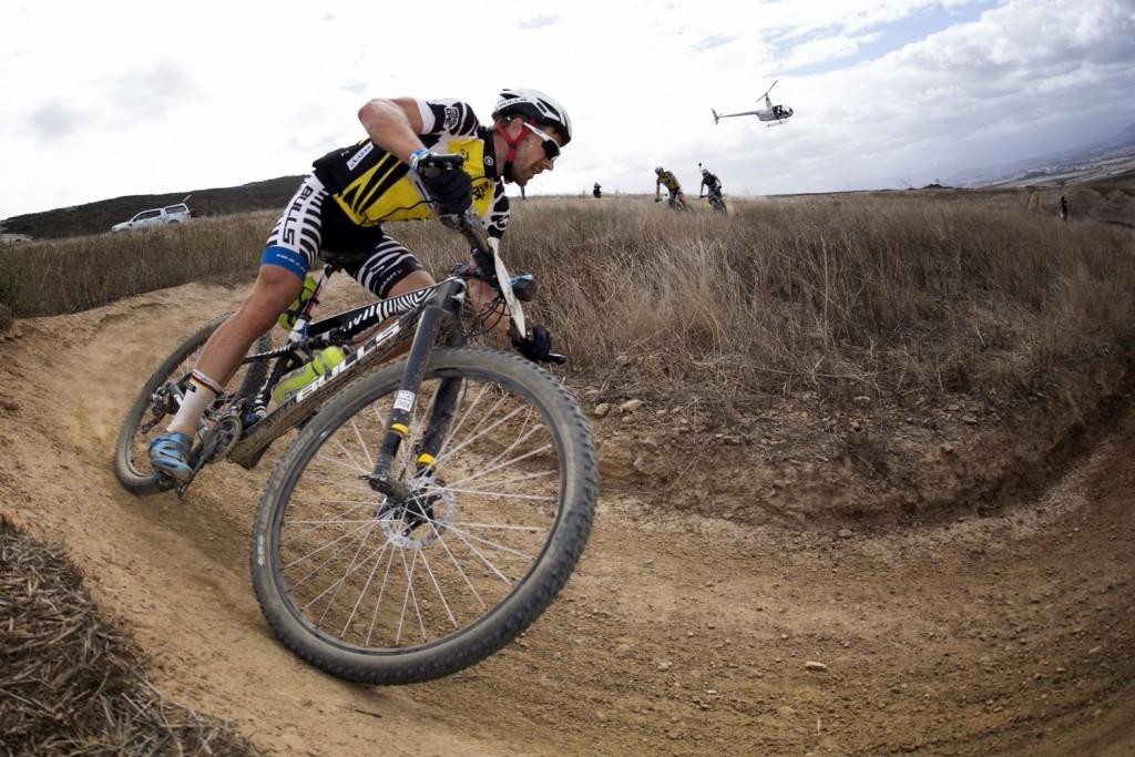 Karl Platt camino de una victoria histórica. Foto Mark Sampson/Cape Epic/SPORTZPICS