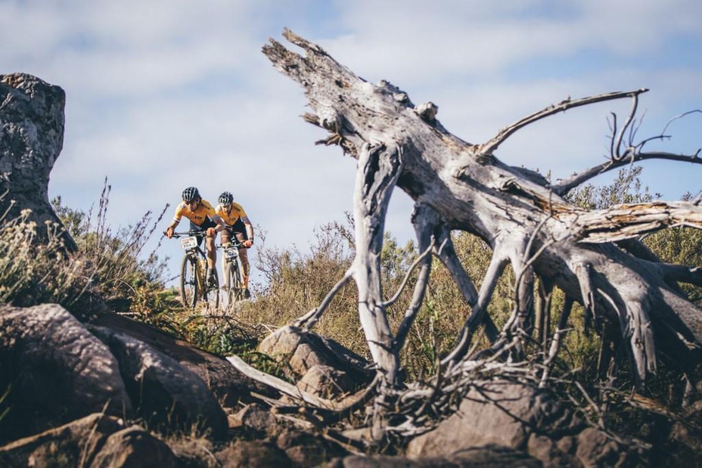 No ha sido un paseo triunfal hasta meta. Los 86km de recorrido hablan por si solos. Foto Ewald Sadie/Cape Epic/SPORTZPICS