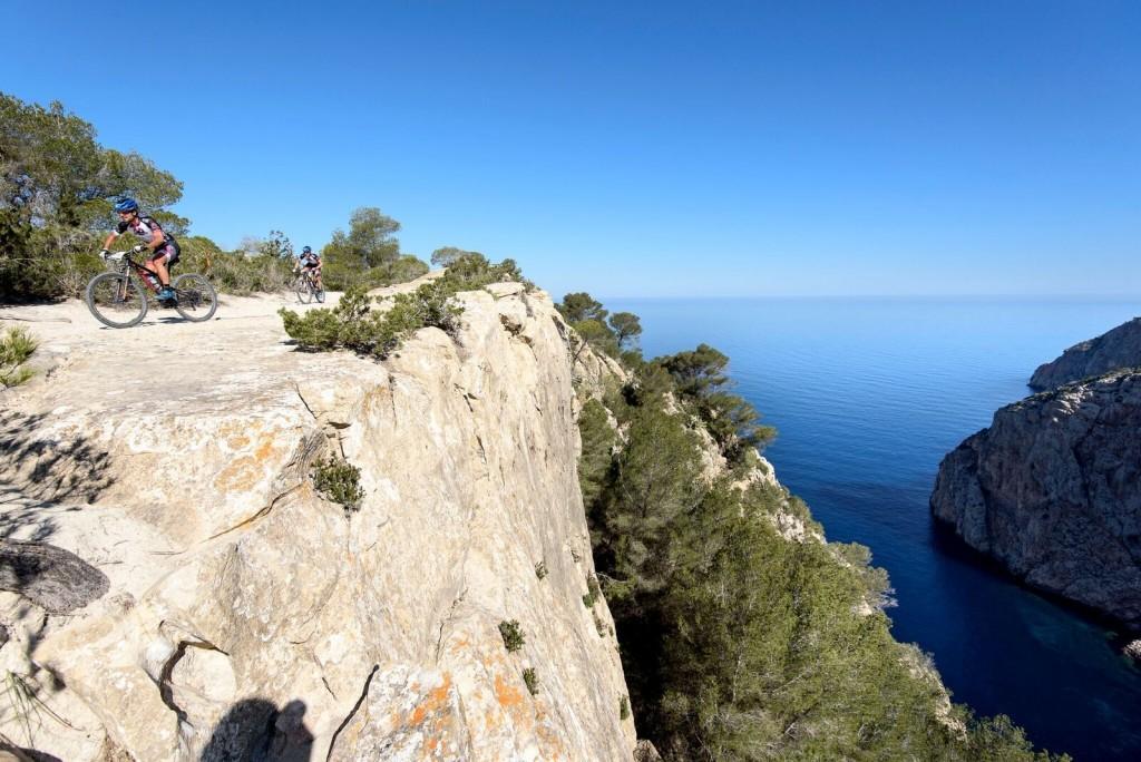 Las vistas de Ibiza, no tienen precio. Foto Jon Izeta