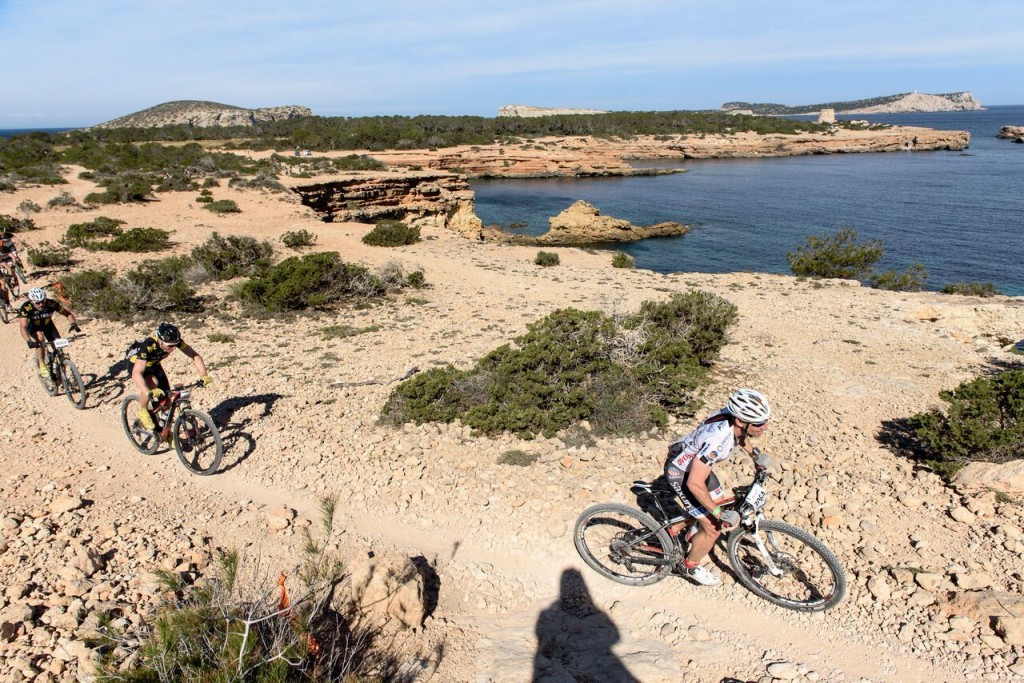 Pero con paisajes excepcionales típicos de Ibiza. Foto Jon Izeta
