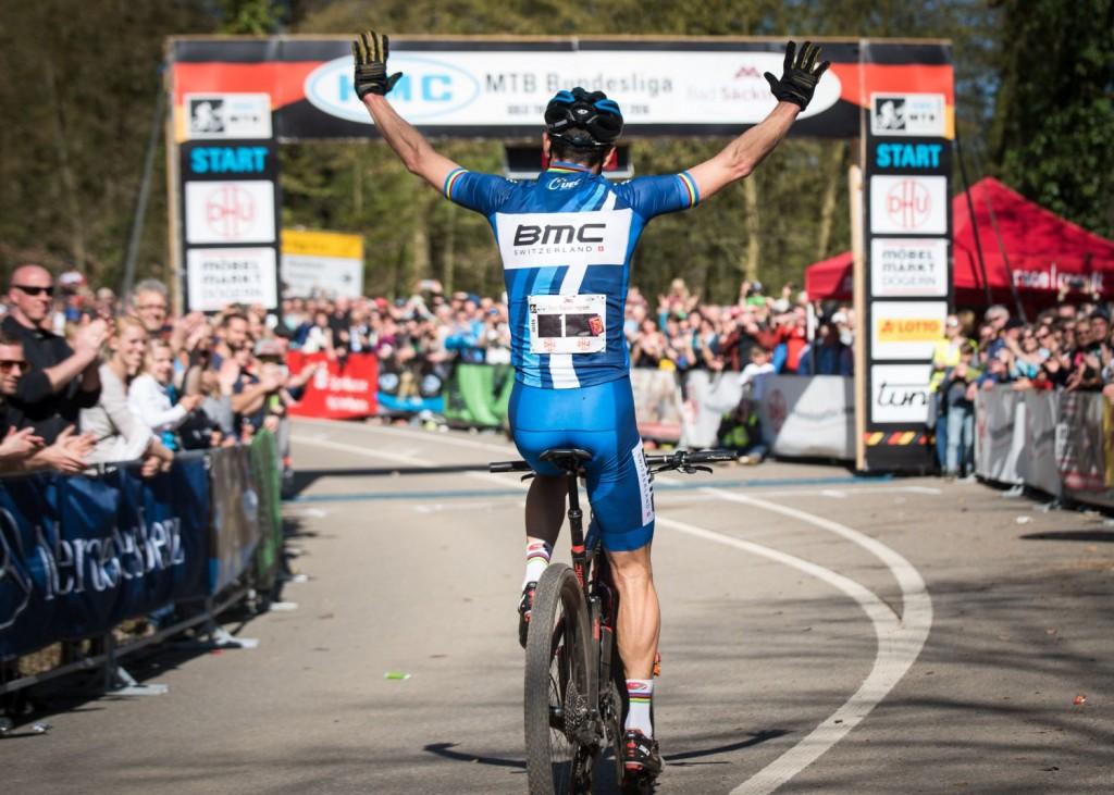 Ganador. El número 1 entraba brazos en alto en meta. ¿Repetirá en Cairns?