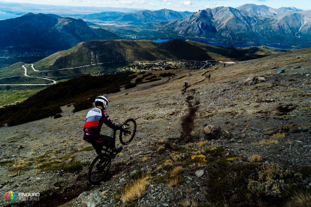 Los bikers están en una de las estaciones de ski más populares de América del Sur. Foto Duncan Philpott