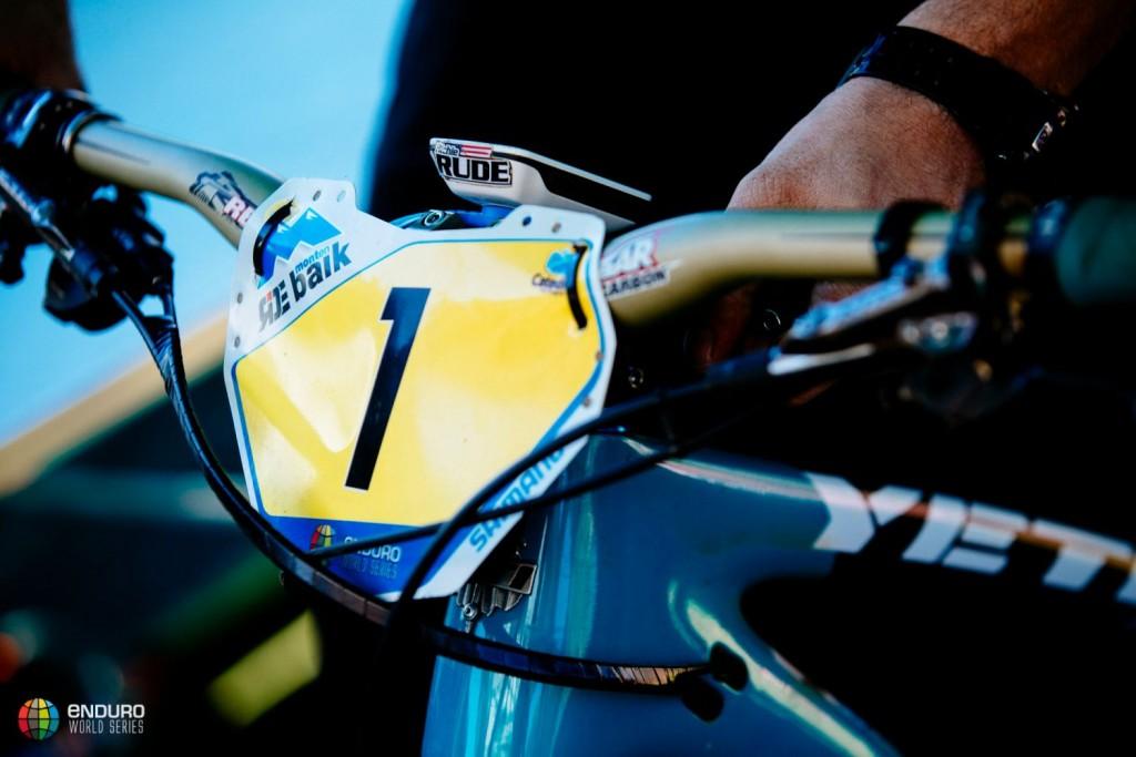 El uno no se mueve de la bicicleta de Richie Rude. Foto Duncan Philpott
