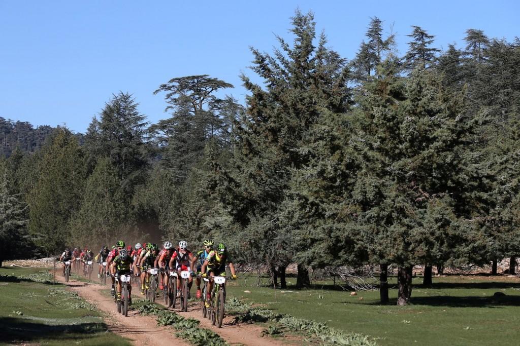 El Tomàs Bellés-Cannondale by Gaes cuenta con un potente equipo y están controlando la carrera. Han ganado las dos etapas disputadas hasta ahora.