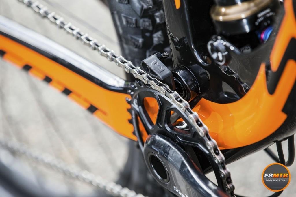 Guía cadenas diseñado por el equipo Scott-Odlo