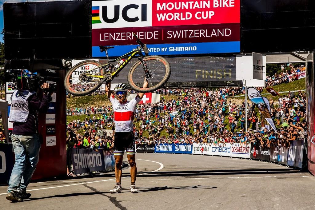 Por 20ª vez Nino Schurter logra ganar una Copa del Mundo. Va a por el record de triunfos de Absalon.