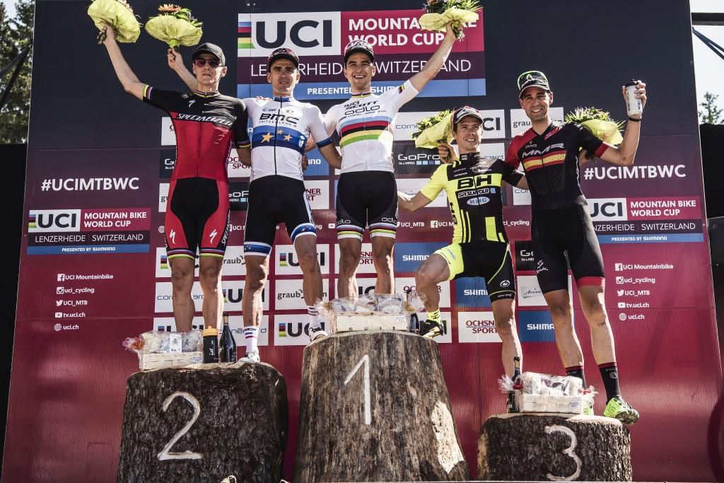 Schurter, Absalon, Marotte y ahora Kulhavy, están siendo los mejores del año. Así que imaginar lo espectacular del podio de David Valero.