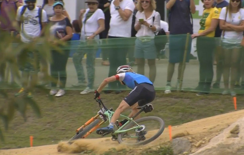 La caída que ha puesto en riesgo el bronce de Pendrel en los metros finales