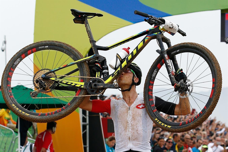 Nino Schurter nuevo campeón olímpico