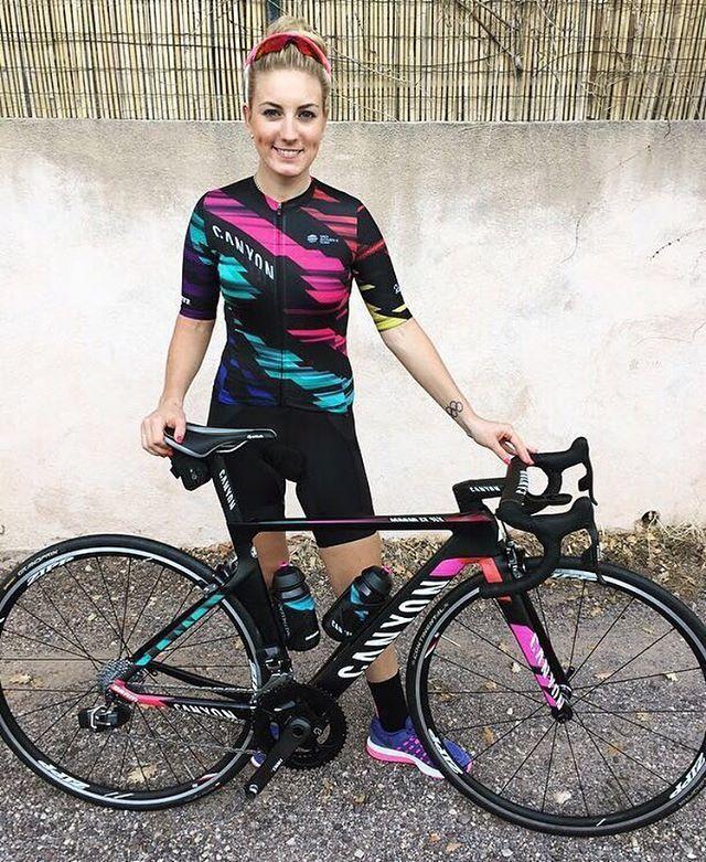 Pauline Ferrand Prevot con sus nuevos colores