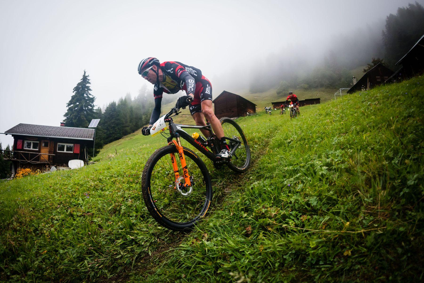 Lukas Fluckiger camino del triunfo final.
