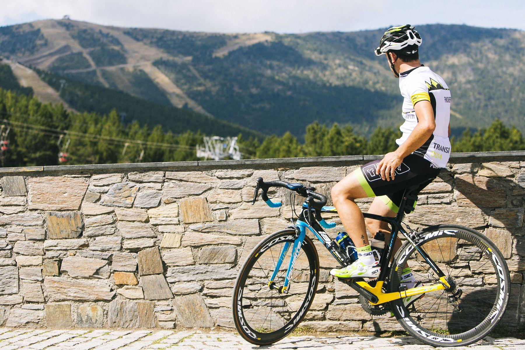 Andorra es un paraíso ciclista y biker total. Si ya es un destino excelente para carretera, con infinidad de puertos señalizados y etapa en Tour y Vuelta, en MTB no se queda corto. Bikeparks y competiciones del más alto nivel. Si te gusta la bicicleta Andorra es un campo de juego gigante.