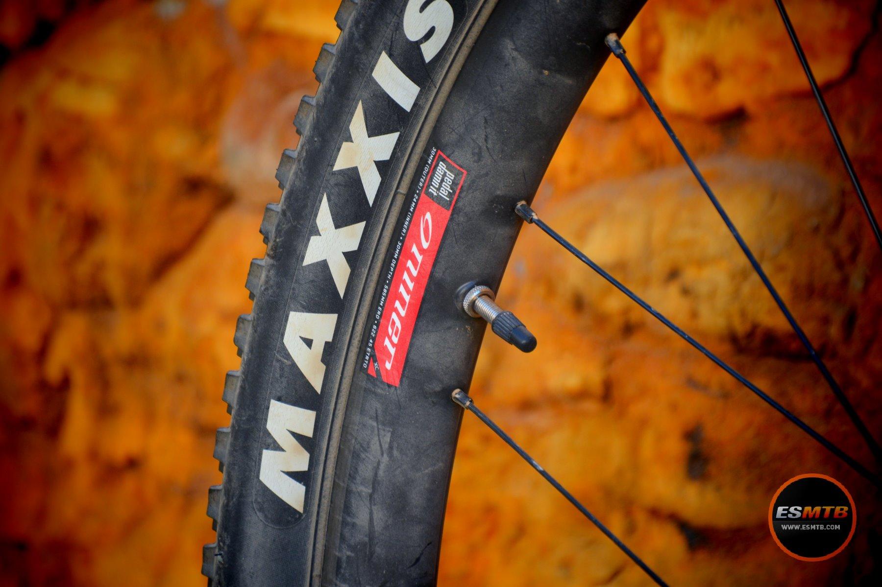 Las ruedas Niner XC Carbon, sacando ventaja de la llanta ancha y el montaje Boost