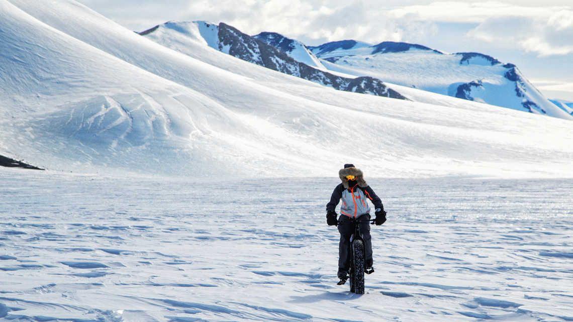 Nieve y hielo, y temperaturas de casi 40 grados bajo cero