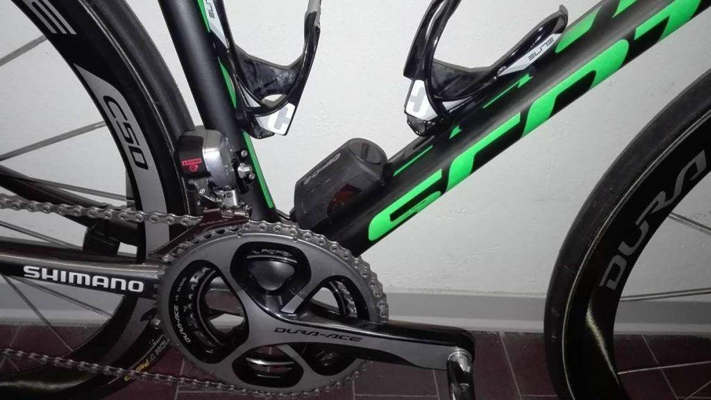 Revo Via en una bici del equipo Orica-Scott